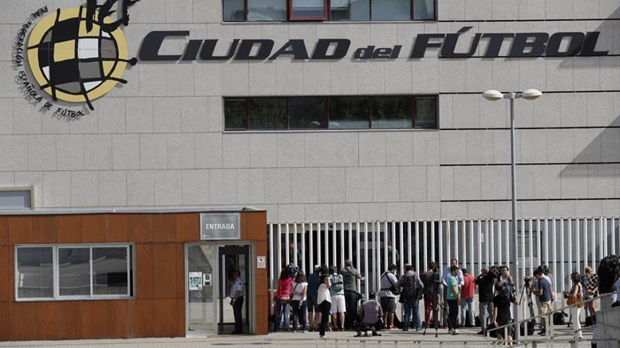 Detenido el presidente de la Federación Española de Fútbol Ángel María Villar