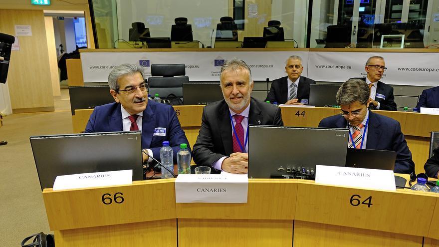 Román Rodríguez y Ángel Víctor Torres, en la reunión en Bruselas de las RUP