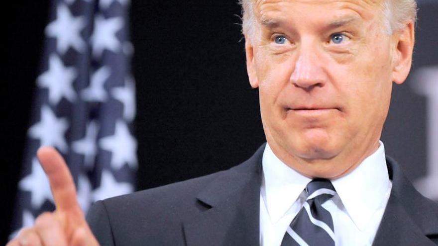 """Biden llama a Al Abadi para condenar el """"cobarde"""" atentado del EI en Bagdad"""