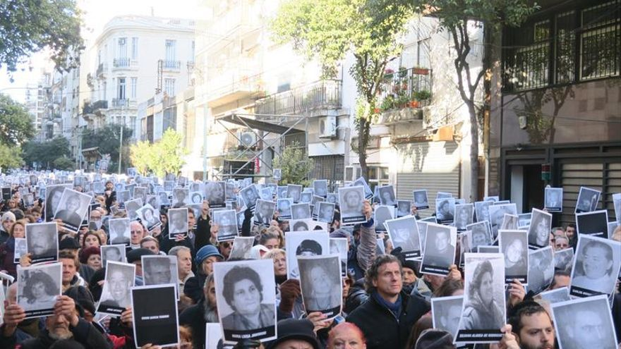 """La comunidad judía y familiares exigen fin de 23 años de """"impunidad"""" por el ataque a AMIA"""