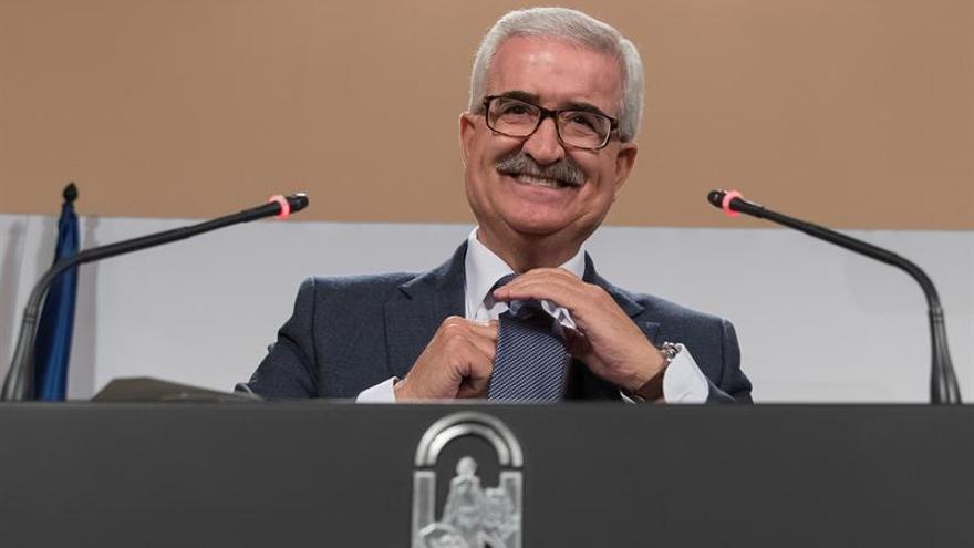 """Andalucía pide a Fomento que """"arregle"""" con Sacyr problemas del AVE a Almería"""