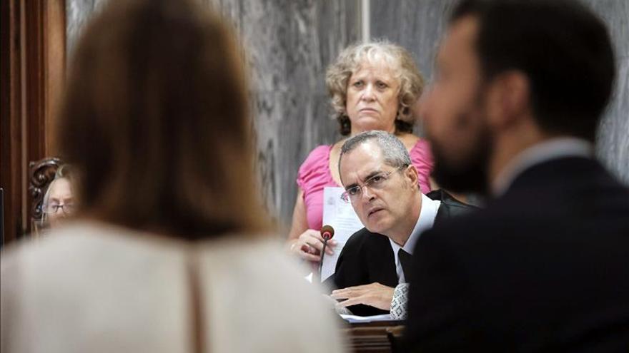 El fiscal mantiene la condena para los acusados de amañar viajes del PP a Fuerteventura
