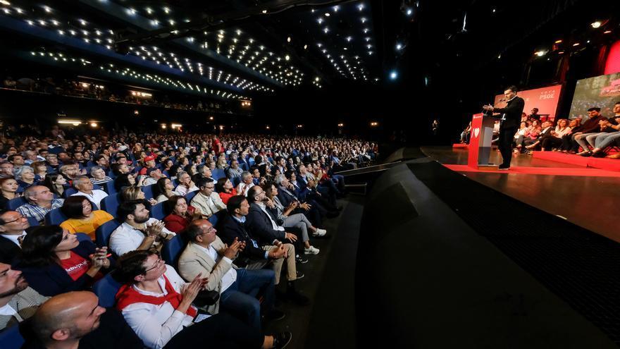 Auditorio de Arona en el que se celebró el mitin de este sábado del presidente del Gobierno español, el socialista Pedro Sánchez