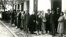 Imagen de archivo: Colas para votar en Badajoz en las elecciones de 1936. Fernando Garrorena Arcas.