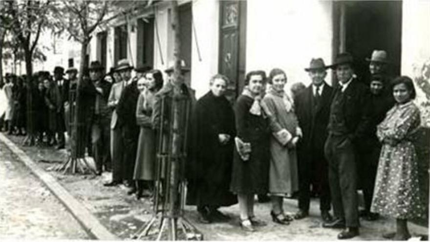 Colas para votar en Badajoz
