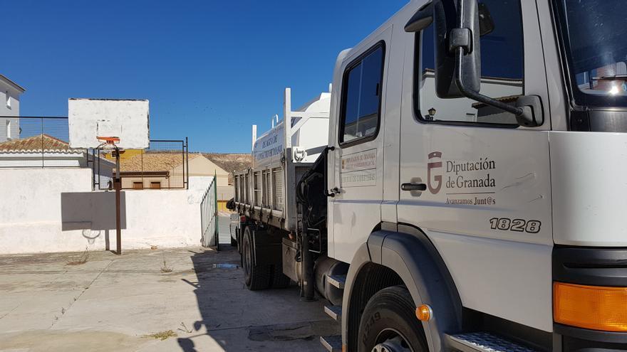 Camión cisterna que abastece de agua al municipio desde el 20 de noviembre