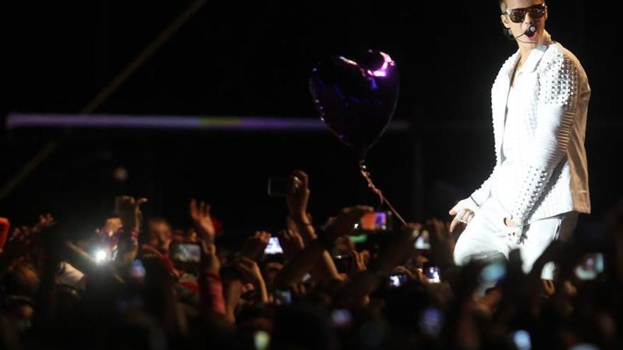 Más de 13.000 personas piden a la Casa Blanca la deportación de Justin Bieber