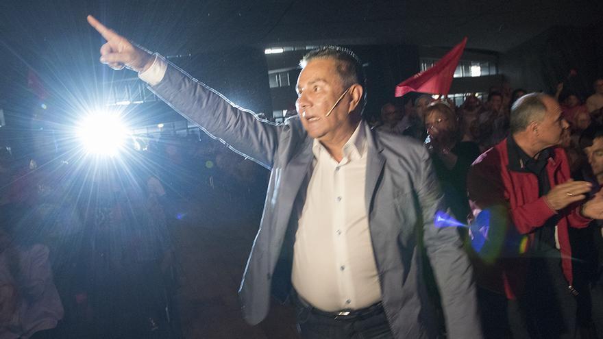Rodríguez Fraga presentó su candidatura ante unas 2.500 personas.