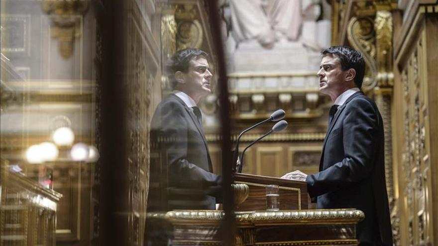 Valls aboga por establecer un cupo máximo de refugiados en Europa