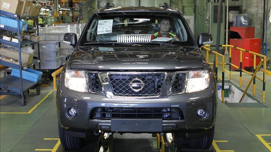 La Generalitat media para que Nissan no pierda la fabricación de nuevo turismo