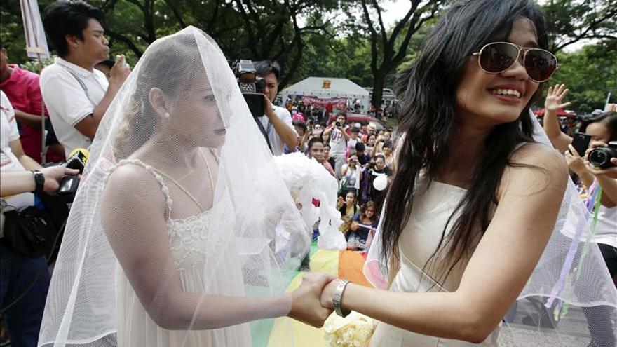 Un juez declara inconstitucional el veto al matrimonio gay en Kansas (EE.UU.)