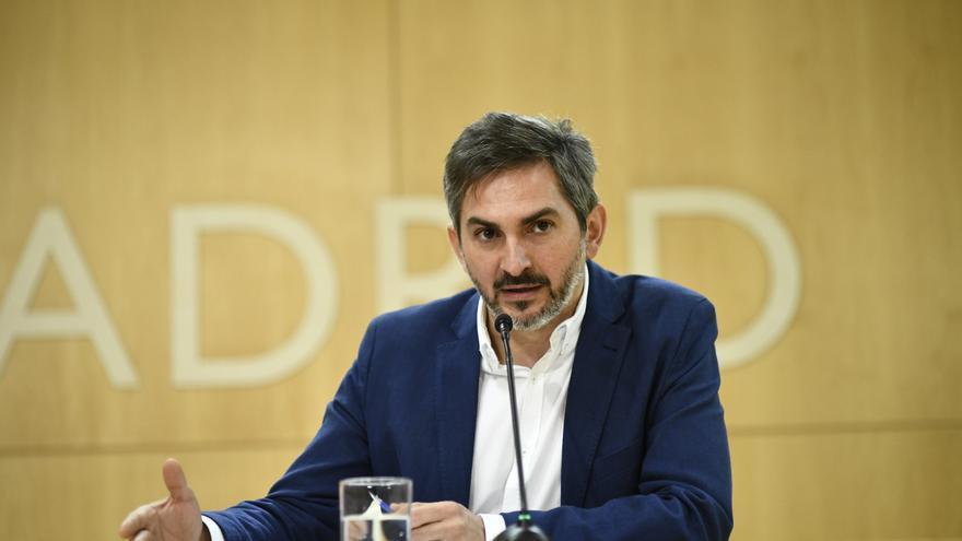 El delegado de Familias, Igualdad y Bienestar Social, José Aniorte, tras la Junta de Gobierno de este jueves. / Europa Press