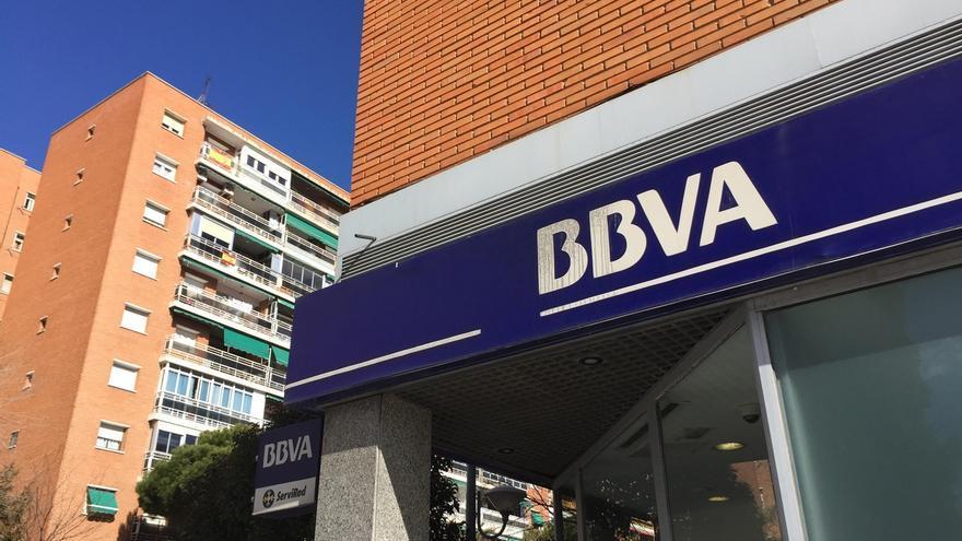 (AMP) BBVA despedirá a 984 empleados de su filial mexicana