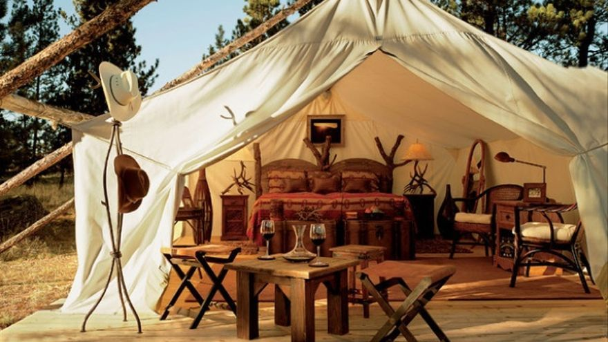 Moonlight Camp en el The Resort Paws Up. IMAGEN: Wicker Paradise
