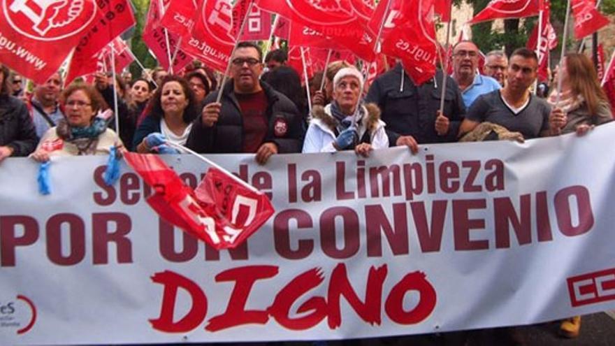 Manifestación de los trabajadores de la limpieza en Toledo