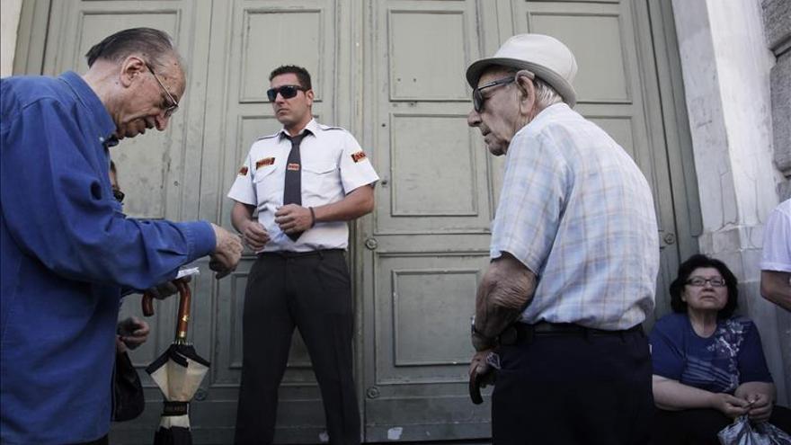 La UE desembolsa los 7.160 millones de euros de ayuda urgente a Grecia