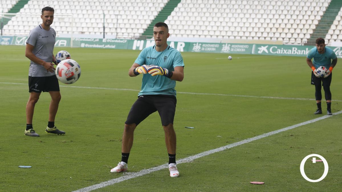 Edu Frías, en un entrenamiento del Córdoba