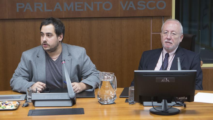 El doctor Ángel Loma Osorio, este lunes en el Parlamento Vasco