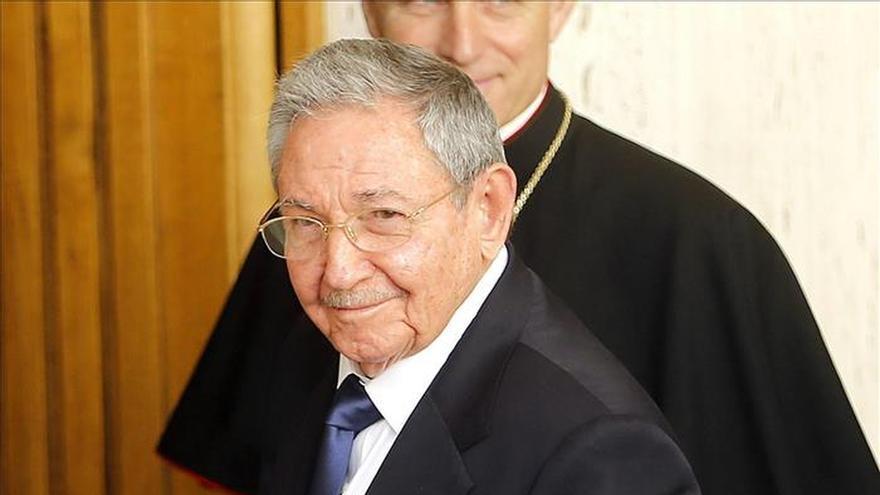 Raúl Castro se reunió durante 55 minutos con el papa Francisco