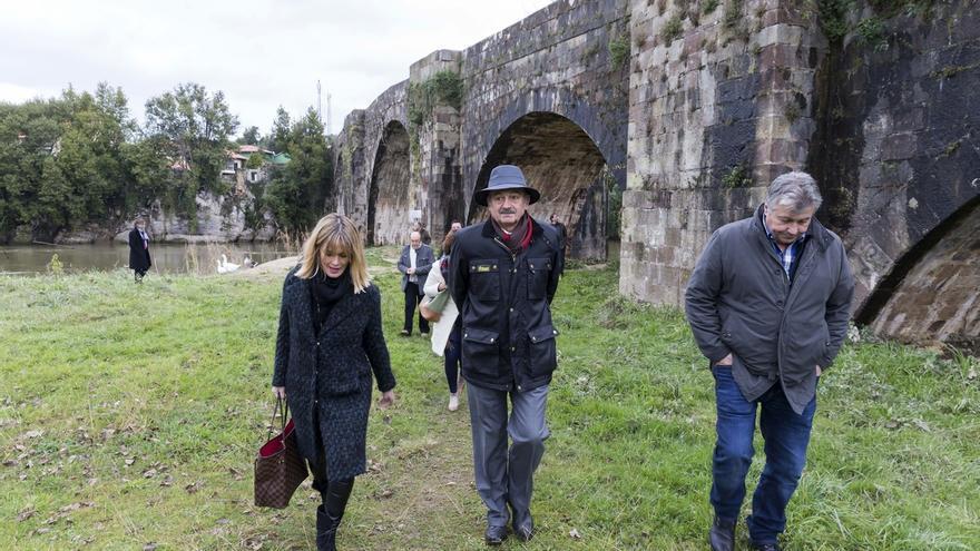 El Gobierno quiere rehabilitar el puente medieval de Puente Arce