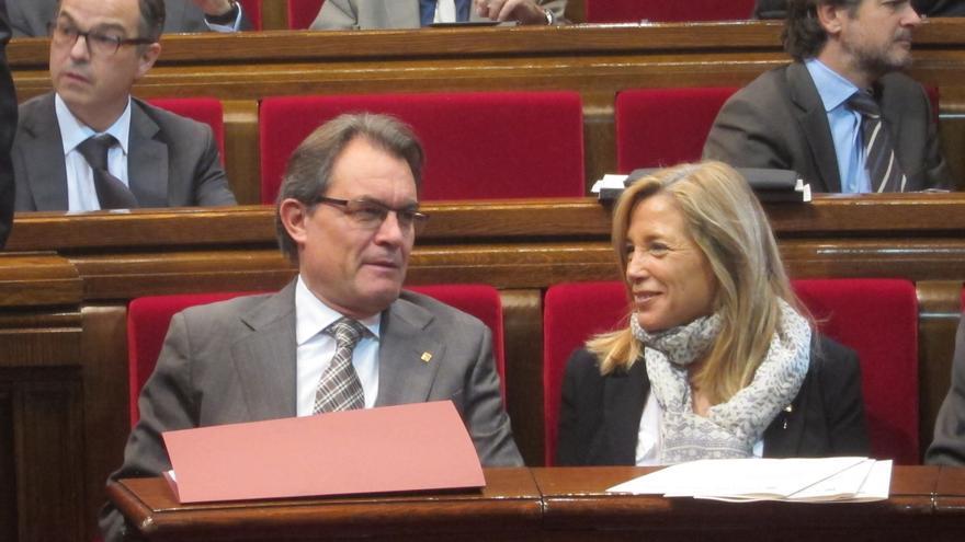 """Mas celebra la """"amplia y sólida"""" mayoría en el Parlamento catalán para llevarla al Congreso"""