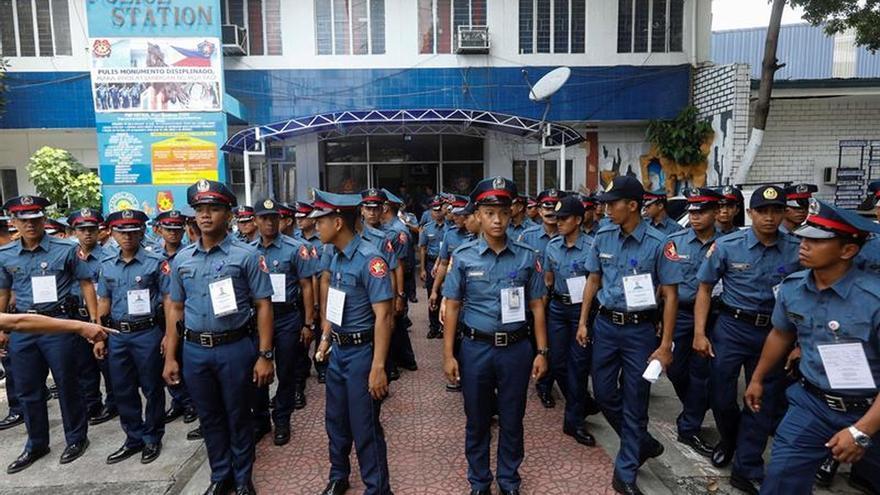 La Policía de Filipinas renueva a todo el cuerpo de Caloocan por infracciones