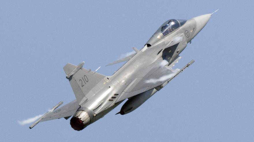 Brasil recibirá este mes el primero de 36 cazas suecos que encomendó