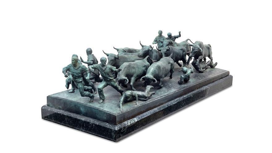 El escultor Rafael Huerta dona al Museo de Navarra el boceto del monumento al Encierro de la avenida Roncesvalles