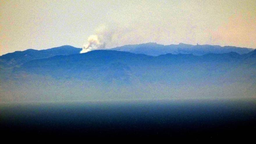 El incendio de Gran Canaria visto desde Tenerife.