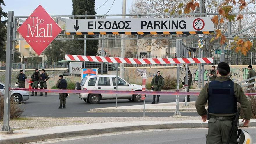 La investigación apunta a un grupo conocido como el autor del atentado de Atenas