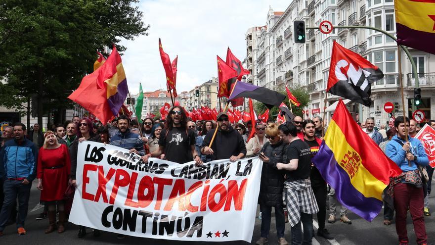 Manifestación en Santander del Primero de Mayo. | ANDRÉS HERMOSA