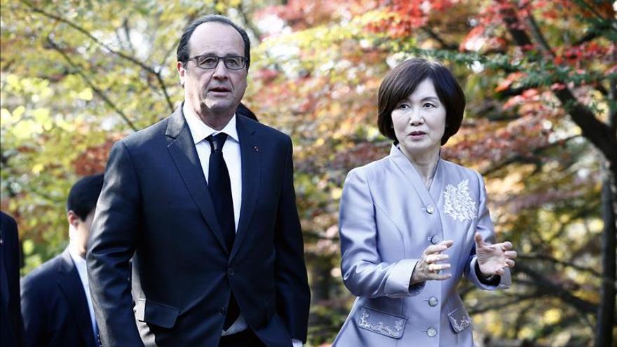Hollande visita Corea del Sur con la vista puesta en el cambio climático