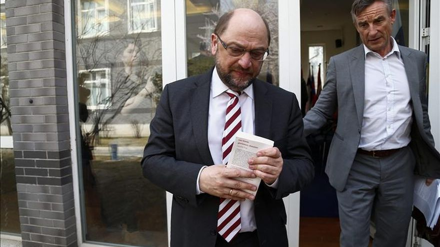 """Schulz, optimista de lograr una solución con Grecia para """"ganar tiempo"""""""