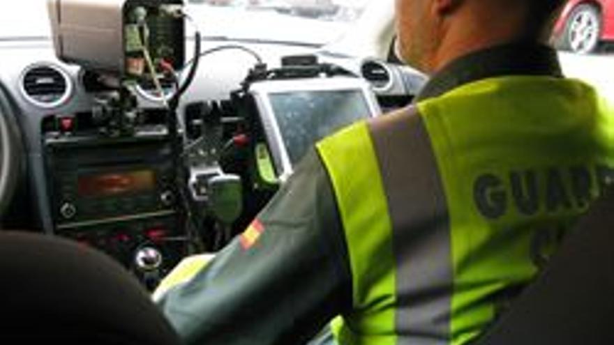 DGT publica este jueves 1.200 tramos de carreteras secundarias con radares móviles, que se unen a otros 305 ya públicos