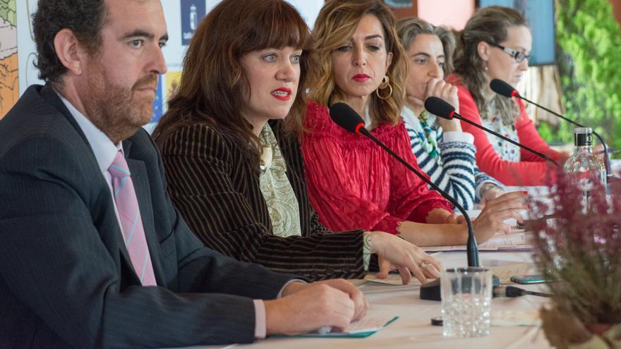 De izquierda a derecha: L. Quintín Villamayor, Delia García, Mariló Leal, Guadalupe Shaw e Inmaculada Moreno