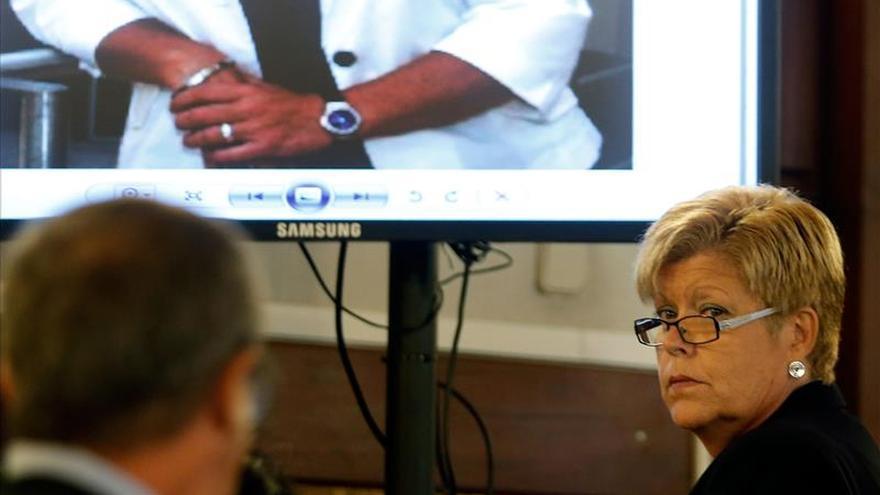 Milagrosa Martínez dice que relojes que luce en las pruebas de Gürtel son falsos