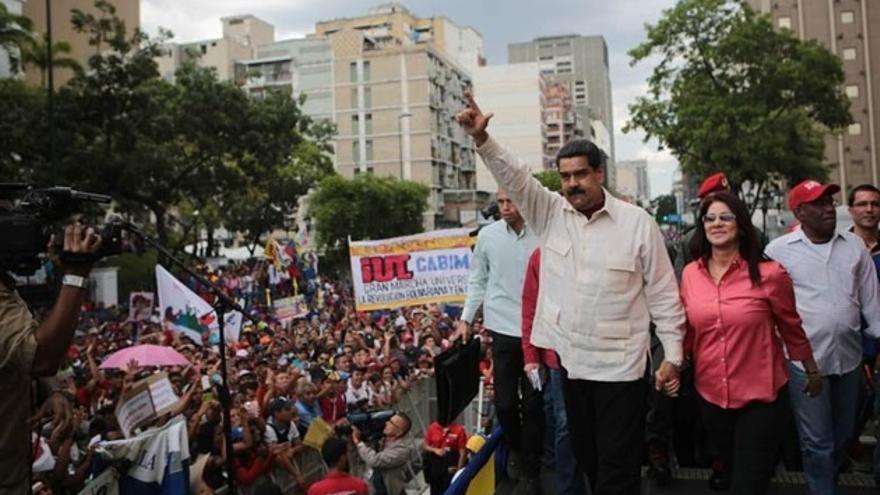 Maduro invita a Rajoy a debatir en Venezuela la situación de España