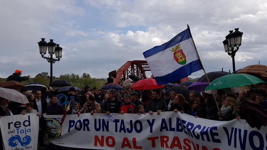 Manifestación en Talavera de la Reina por el Tajo