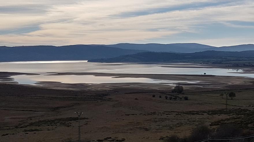 El embalse del Ebro llega al 40% de su capacidad tras ganar 5 hm3 de agua en la última semana