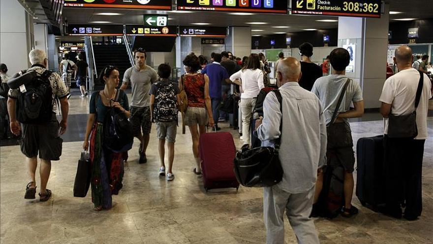 España recibe a 47,2 millones de turistas hasta agosto, un 4,1 % más