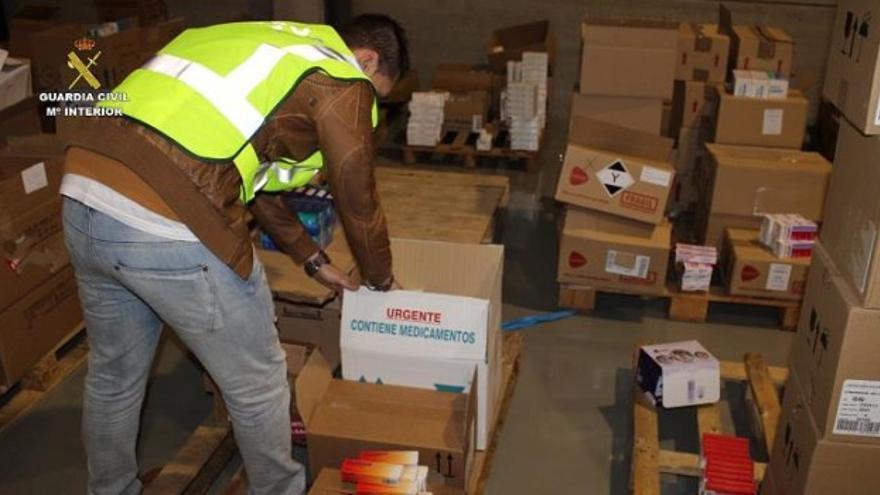 La Guardia Civil intervino en varias farmacias en Aragón en la denominada 'Operación Convector'.