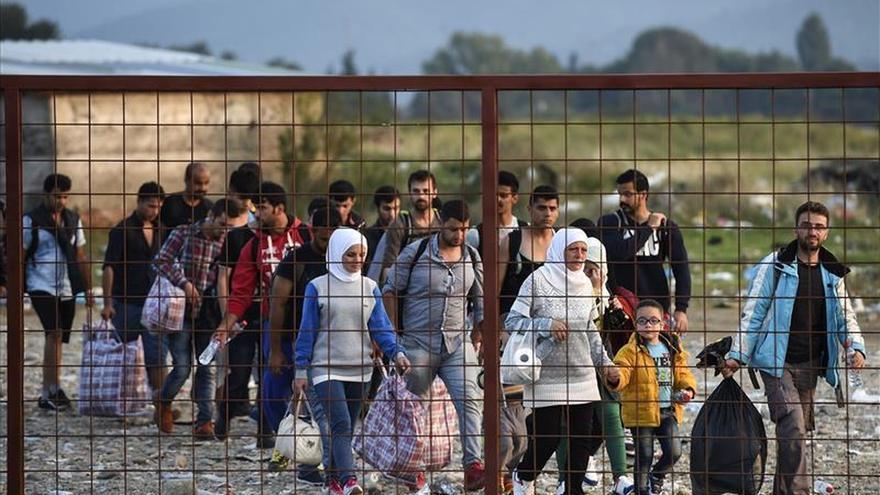 Croacia impide el paso de vehículos serbios por la crisis de los refugiados