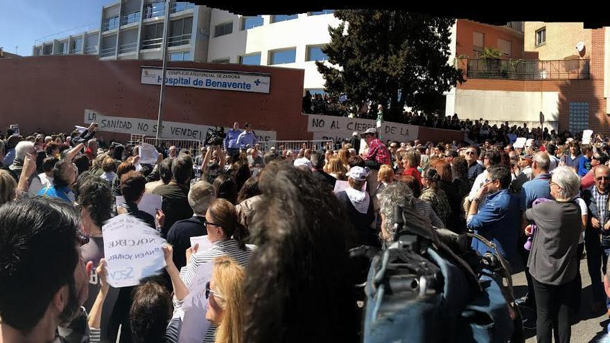 Manifestación histórica en Benavente, Zamora, en defensa de su hospital público. Foto: Antonio Luis Martín