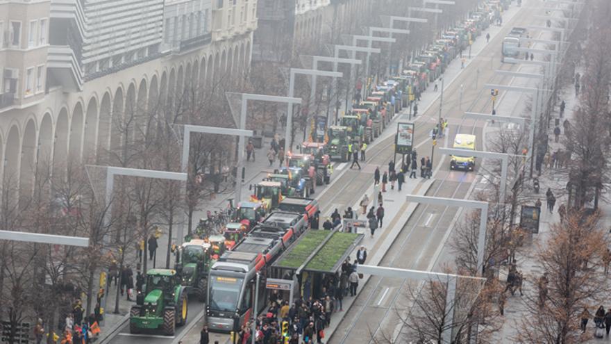 Los tractores por el paseo de la Independencia de Zaragoza