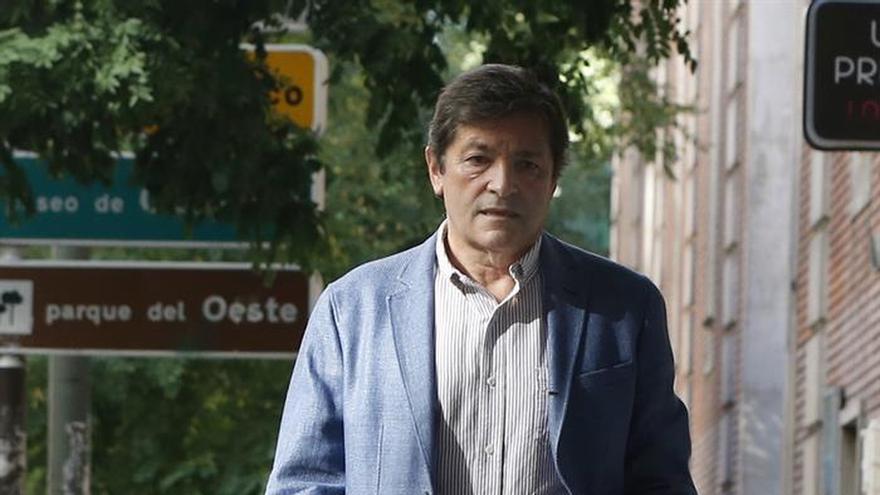 """Javier Fernández: La brecha que separa al PSOE del PP es """"alarmante"""""""