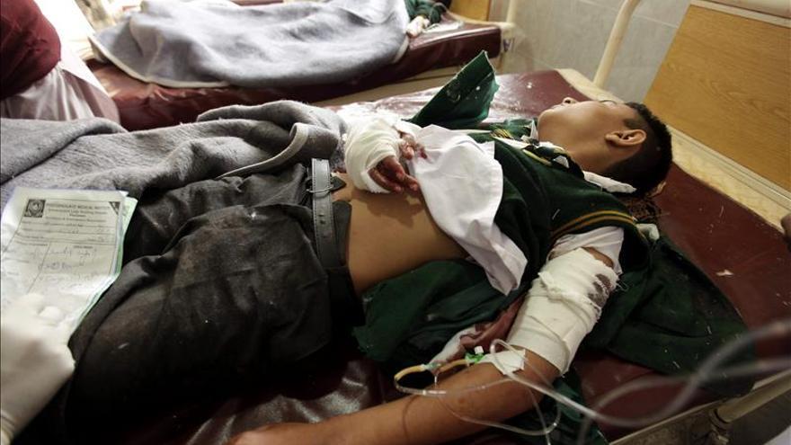 Ya son 86 los muertos, la mayoría estudiantes, en el ataque a un colegio en Pakistán / EFE