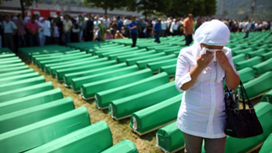 Funeral multitudinario por los muertos en Srebrenica