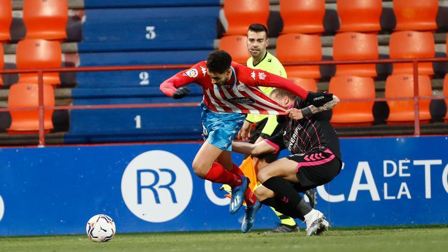 Un Tenerife sin tensión ni fútbol regala los puntos al Lugo