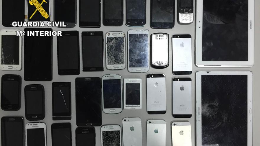 La Guardia Civil investigan a una persona como presunto autor de la venta de objetos electrónicos robados