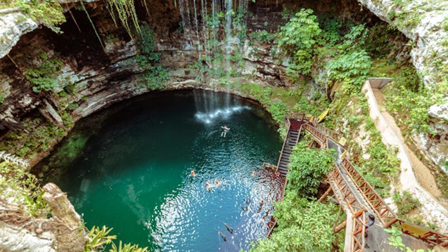 Uno de los imperdibles del Yucatán: nadar en un cenote.